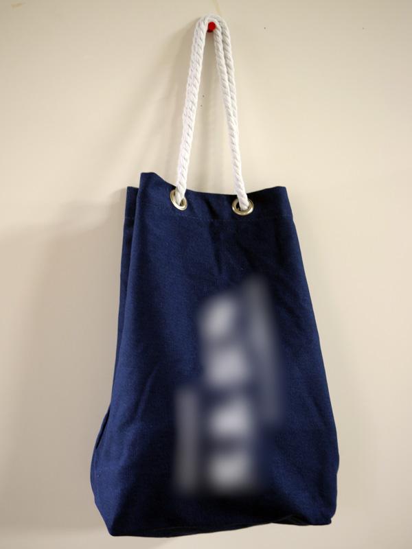 お酒を運ぶ袋たち008
