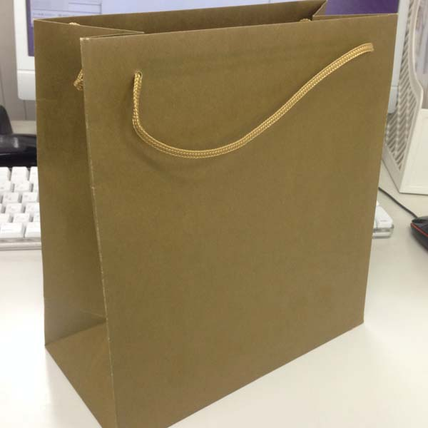 面白い仕様の紙袋01