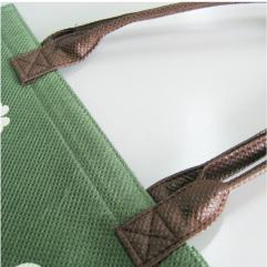 持ち手のつまみ縫い
